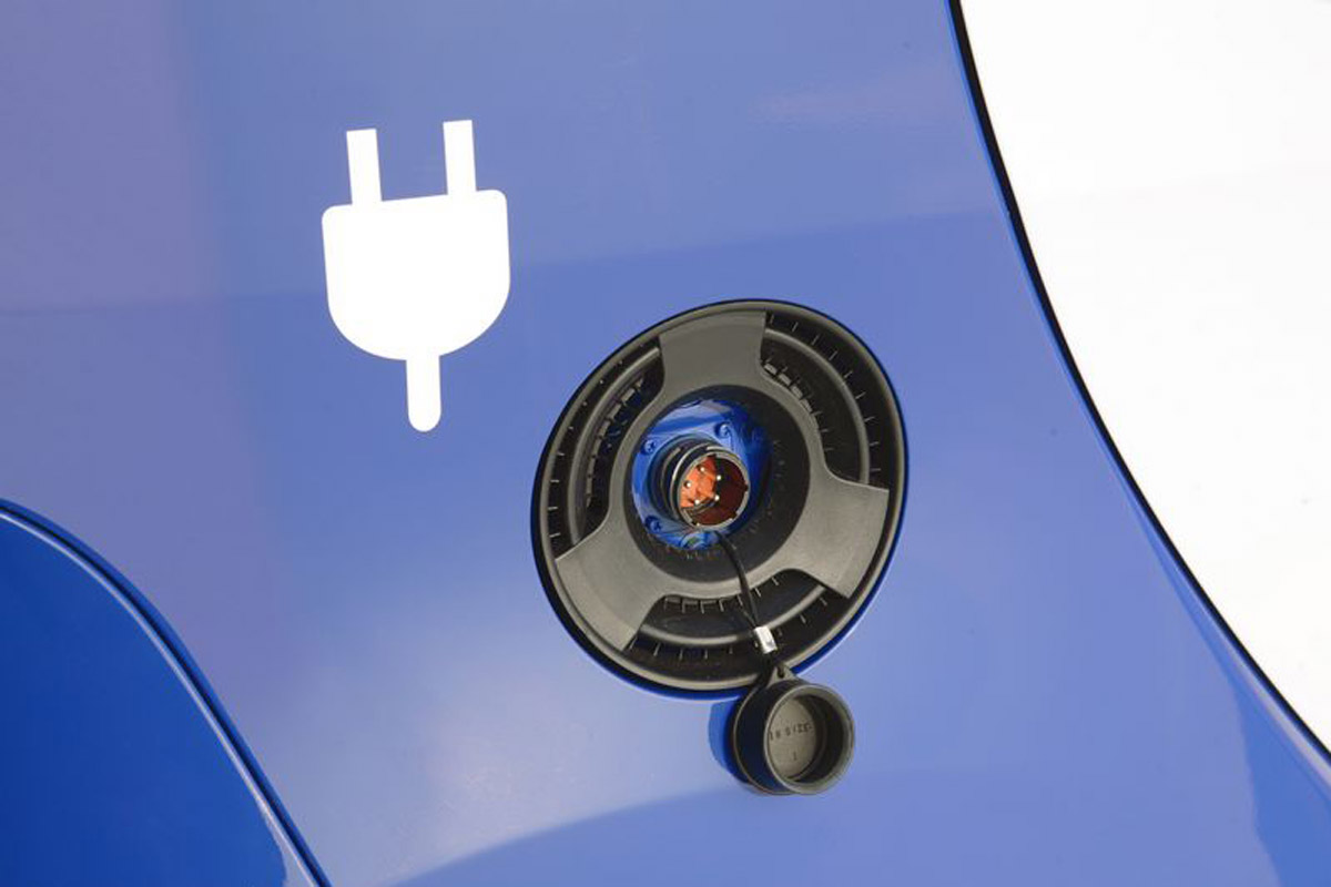 El coche eléctrico reduce las emisiones de CO2.