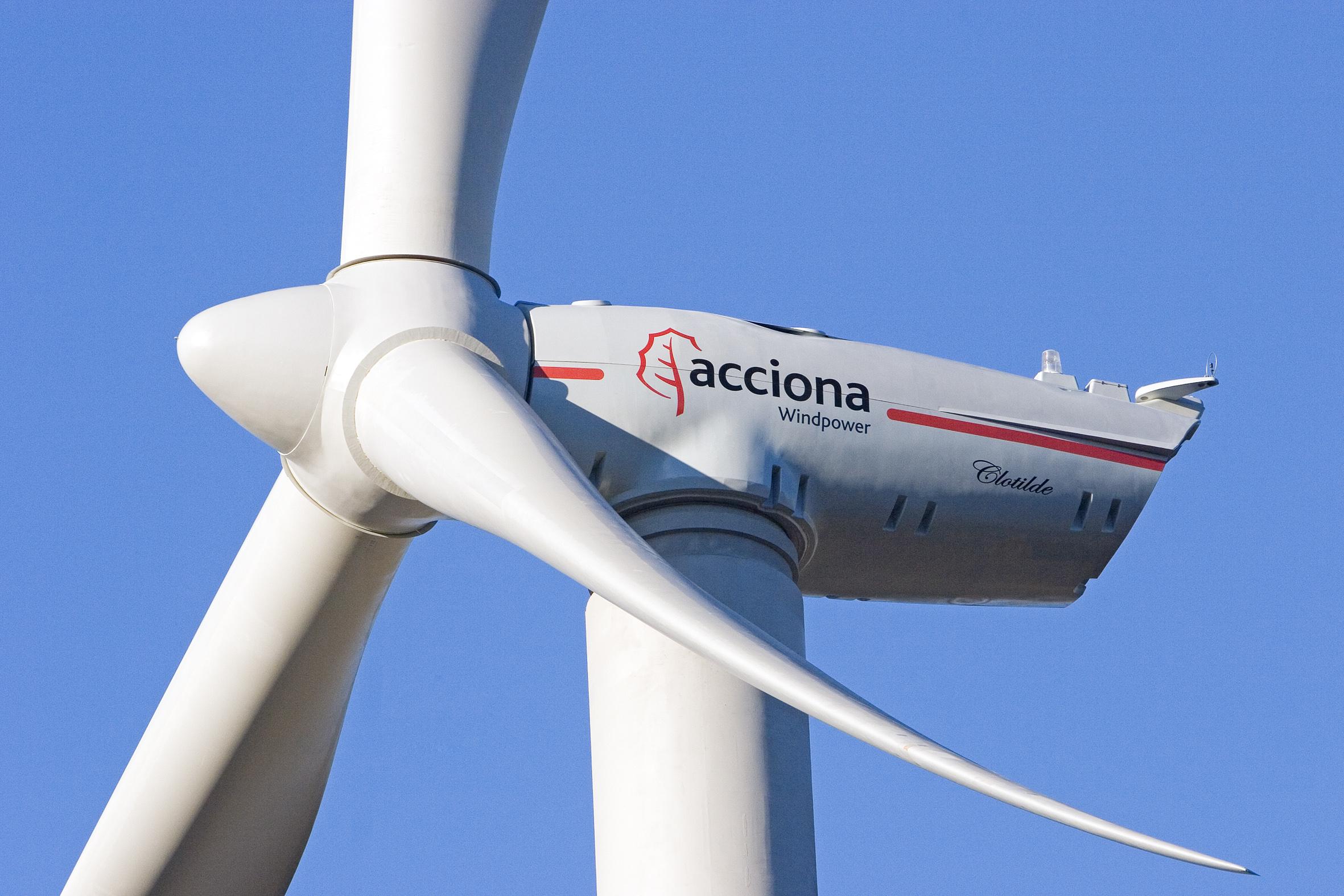 Eólica en Asturias: parque eólico en Villanueva de Oscos con aerogeneradores de Acciona