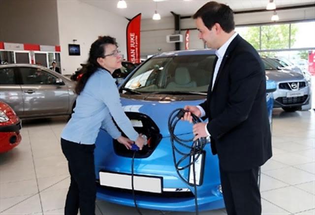 El coche eléctrico Nissan LEAF supera el hito de los 10.000 vehículos eléctricos vendidas en Europa