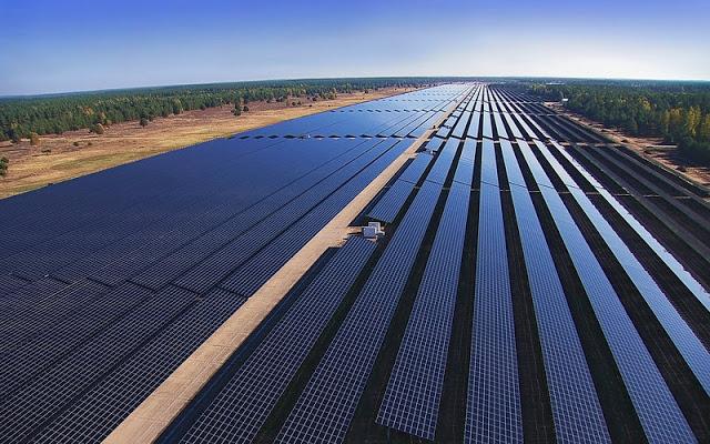 Inauguran en Alemania la mayor central de energía solar fotovoltaica de Europa con 128 MW