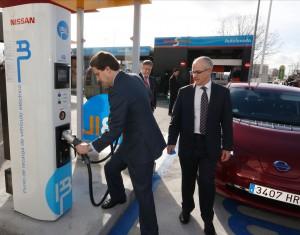 Coche eléctrico: Ibil y Nissan amplían las electrolineras para vehículos eléctricos en Madrid