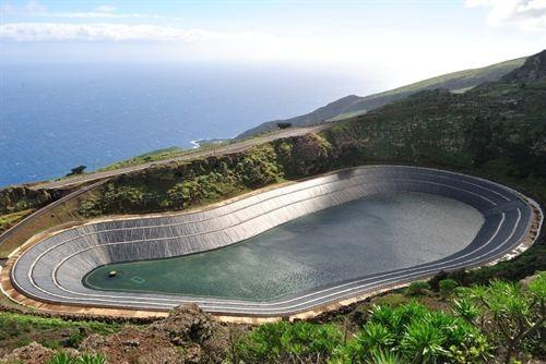 El Hierro se abastece con energías renovables