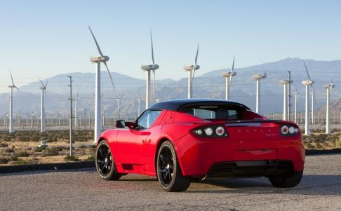 Tesla apuesta por baterías para los hogares