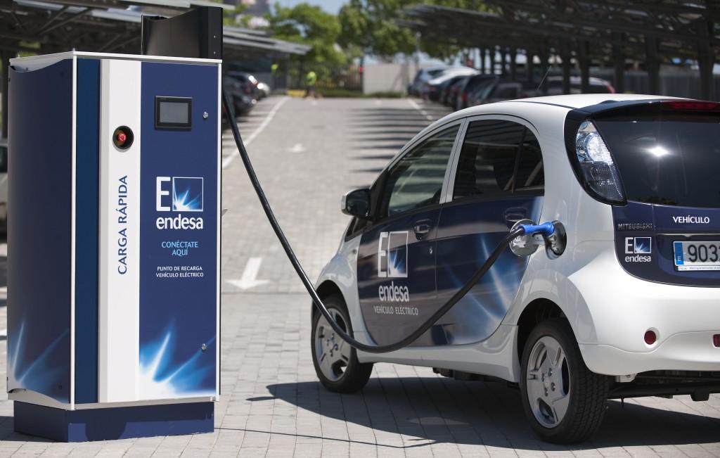 Coche eléctrico: Endesa da una segunda vida a las baterías de los coches eléctricos.