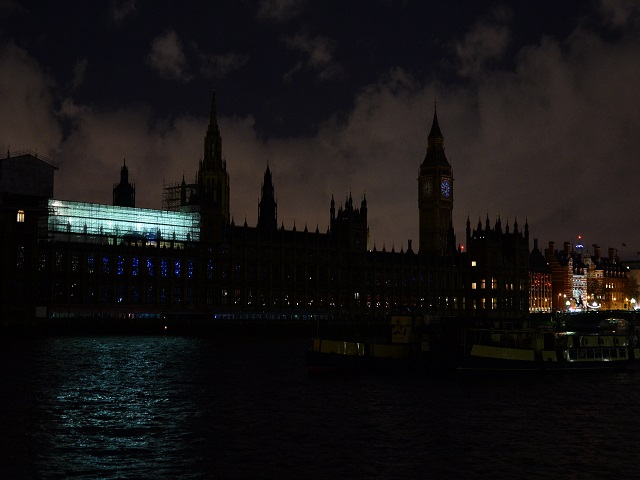 BRITAIN-ENVIRONMENT-ENERGY-EARTH HOUR