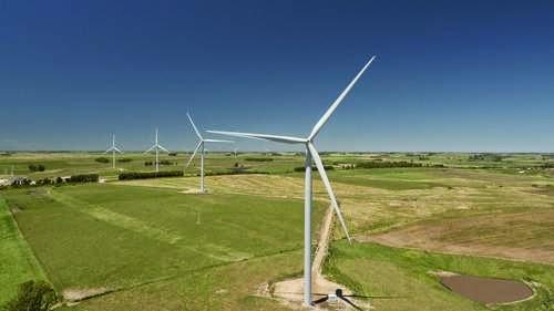 Los molinos de viento siguen siendo un objetivo
