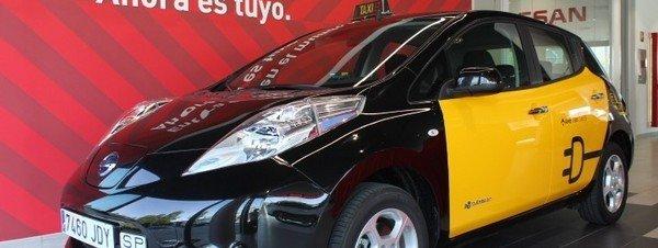 El vehículo eléctrico Nissan Leaf se incorpora a la flota de taxis de Barcelona