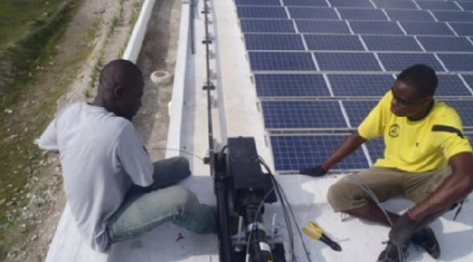 Proyecto de energía solar iluminará pueblos de Haití
