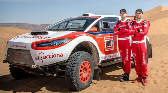 Acciona hace historia en el Dakar
