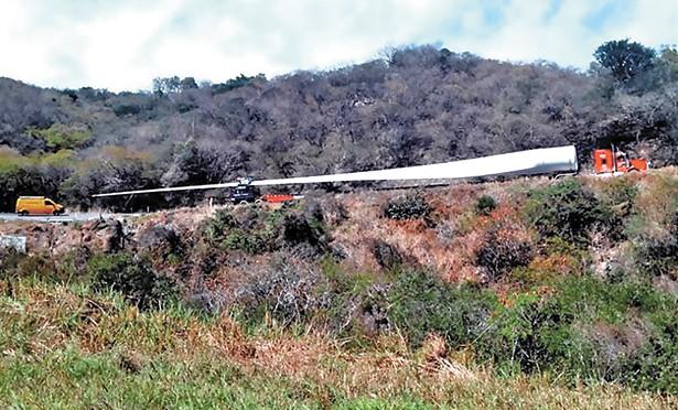 Causa expectación traslado de palas gigantes por Tamaulipas