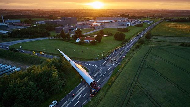 Enegía eólica en Dinamarca construyen las palas más grandes del mundo