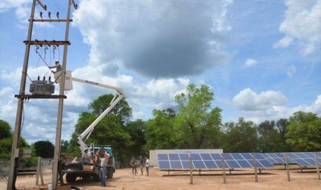 Descentralizar para que todos tengan electricidad en Paraguay