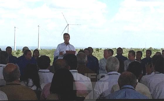 Peña Nieto inaugura eólica en Nuevo León