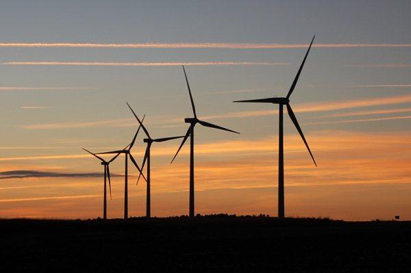 Eólica en Guatemala: licitan 300 MW de energías renovables