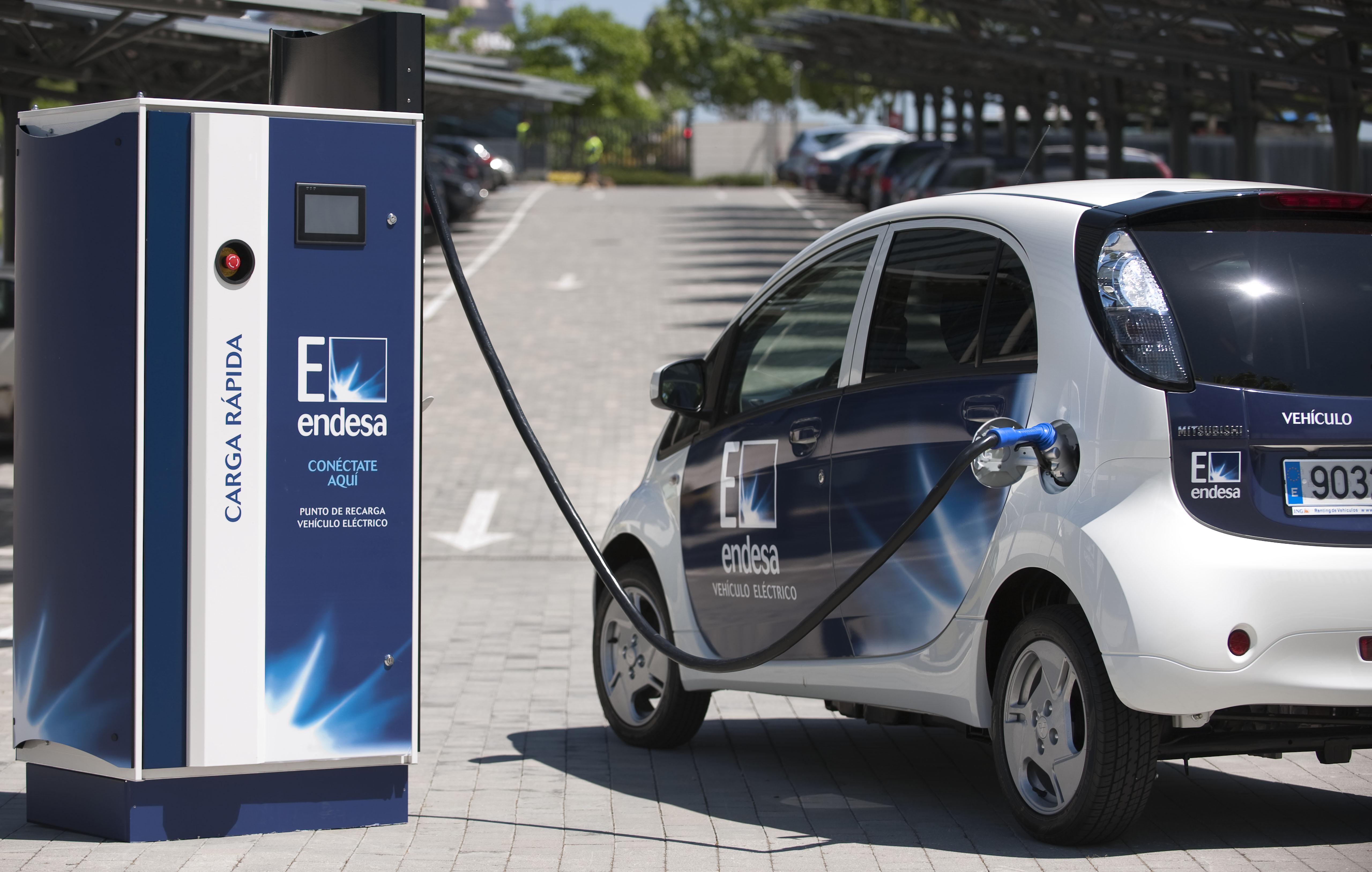 Punto de carga rápida de vehículos eléctricos en Vitoria