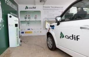 Coche eléctrico: Adif recibe el Premio Europeo RSE por el proyecto Ferrolinera
