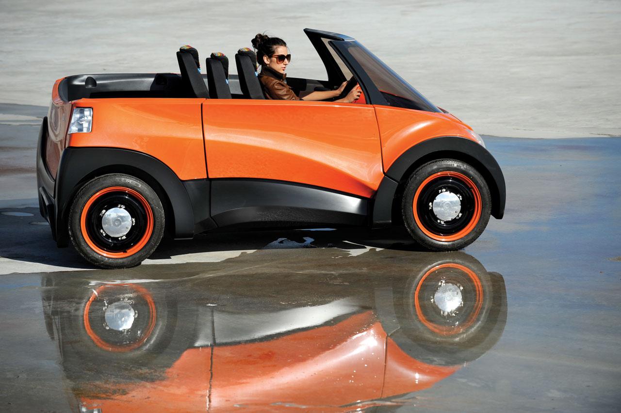 El coche eléctrico QBEAK, alimentado con energía solar