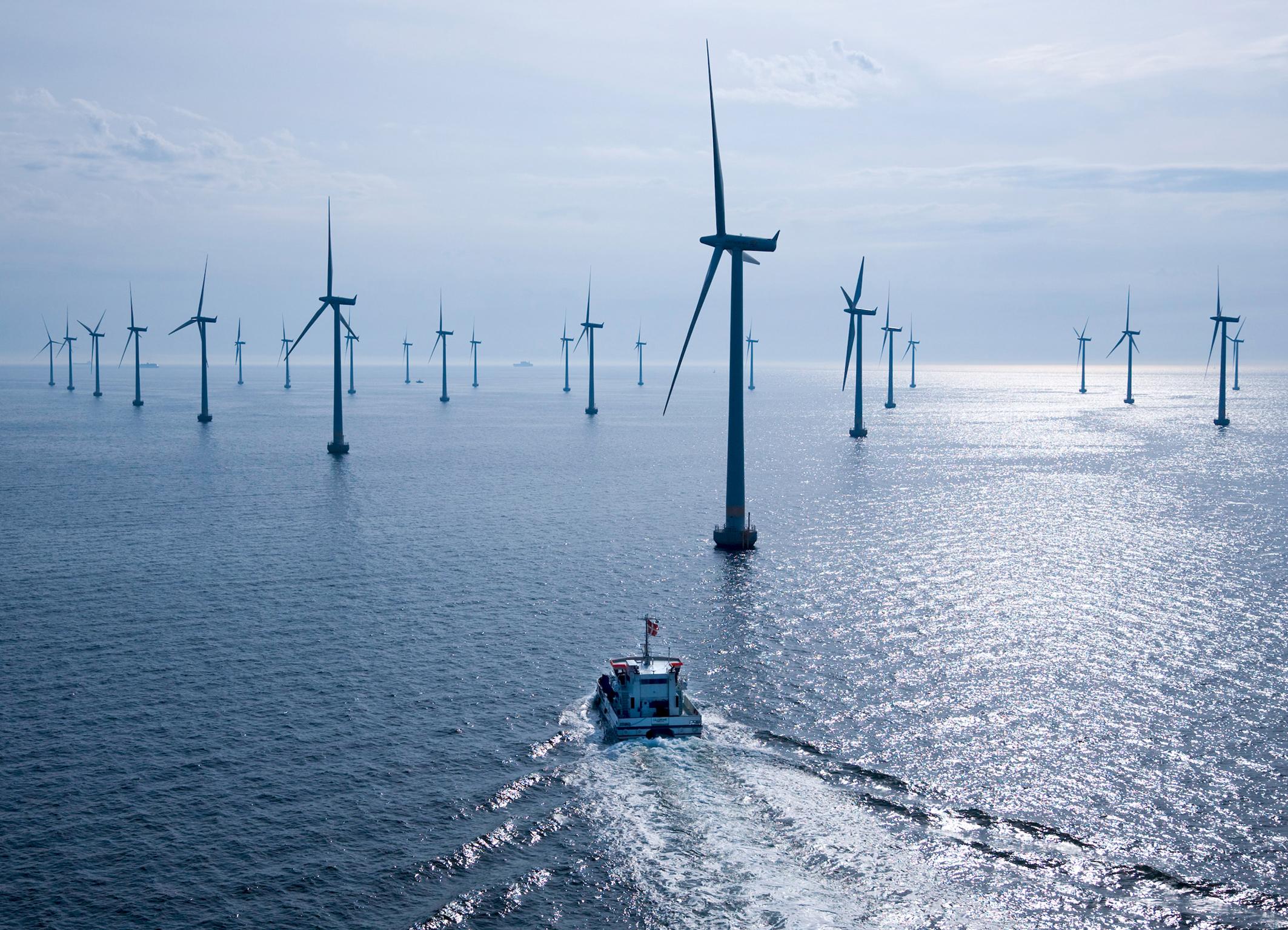 Eólica marina: instalan 293 aerogeneradores y 1.165 MW eólicos en 2012