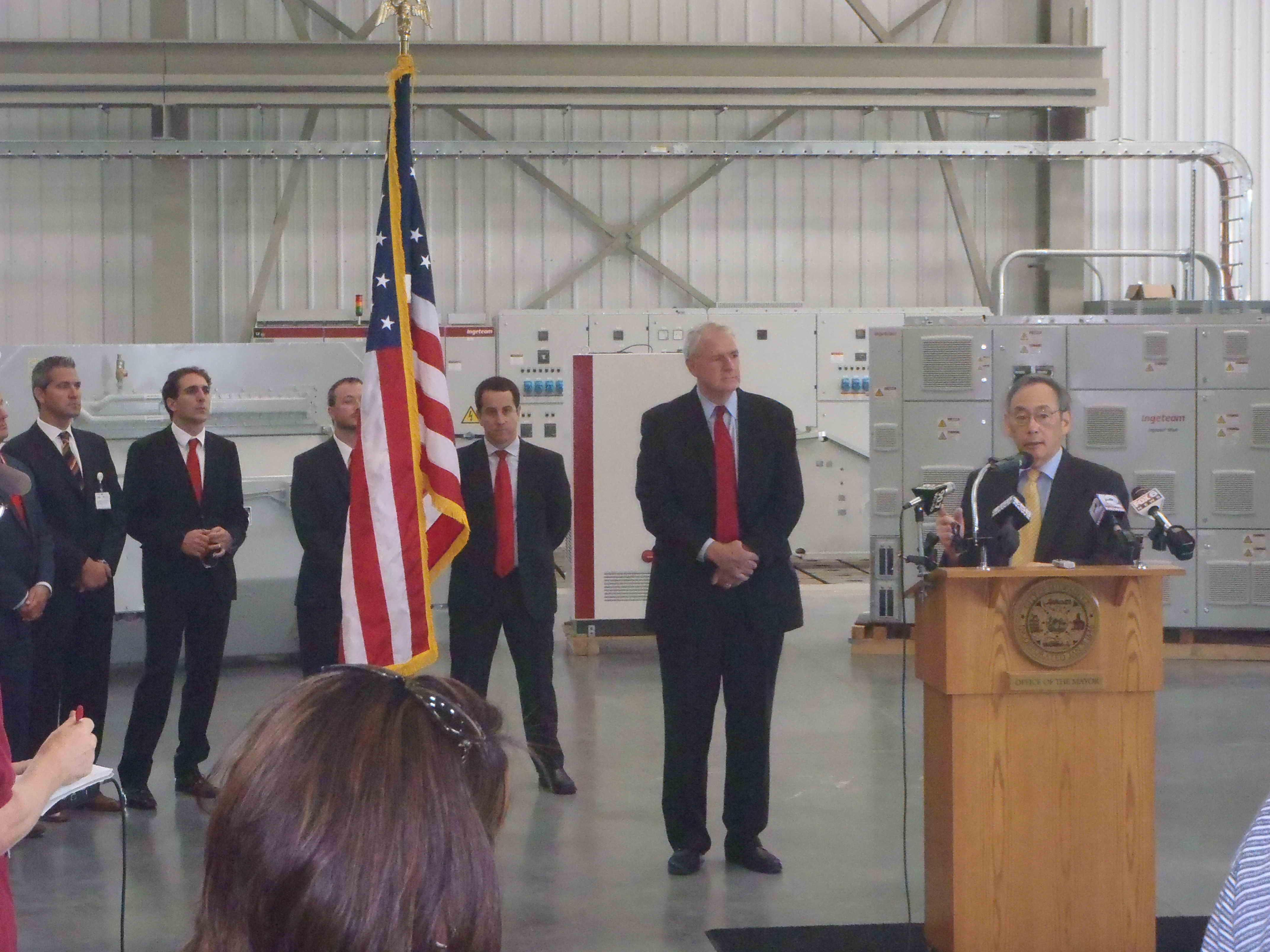 Eólica: El Secretario de Energía de Estados Unidos visita las instalaciones de Ingeteam en Milwaukee