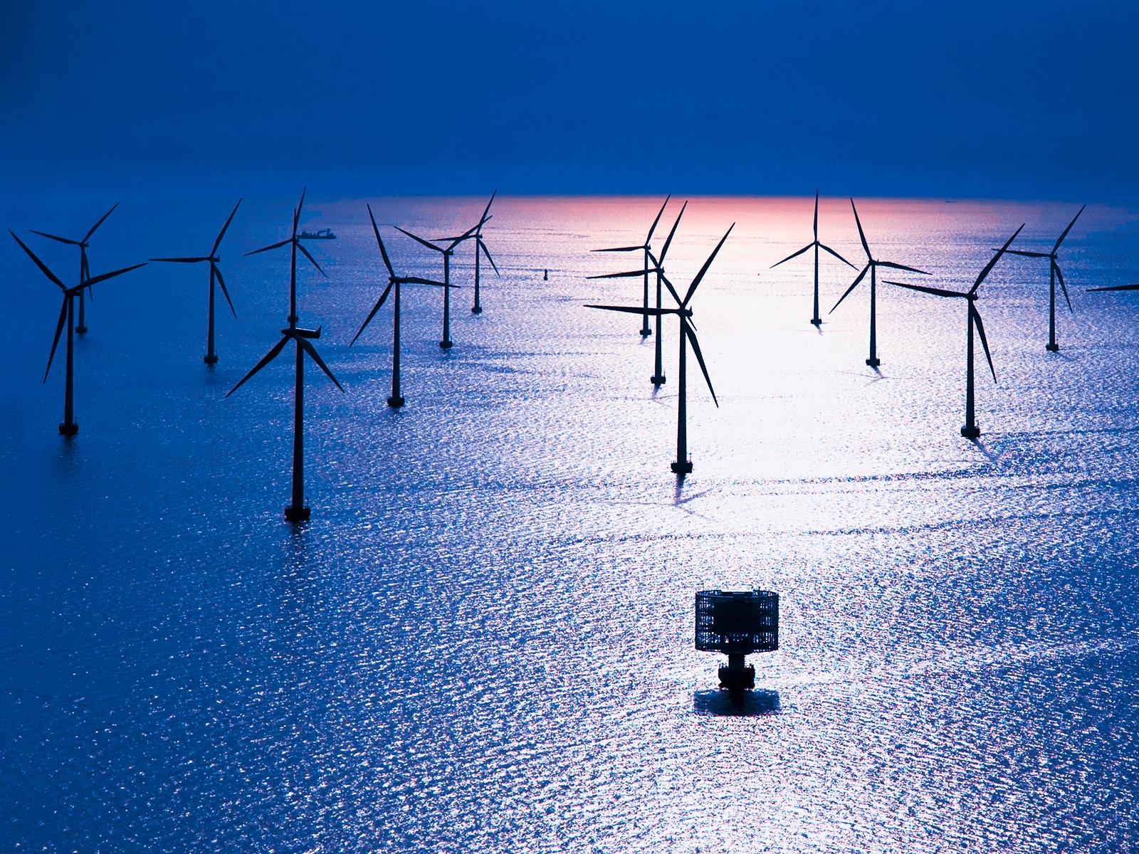 Energías renovables: Los aerogeneradores de la eólica marina frenan los huracanes