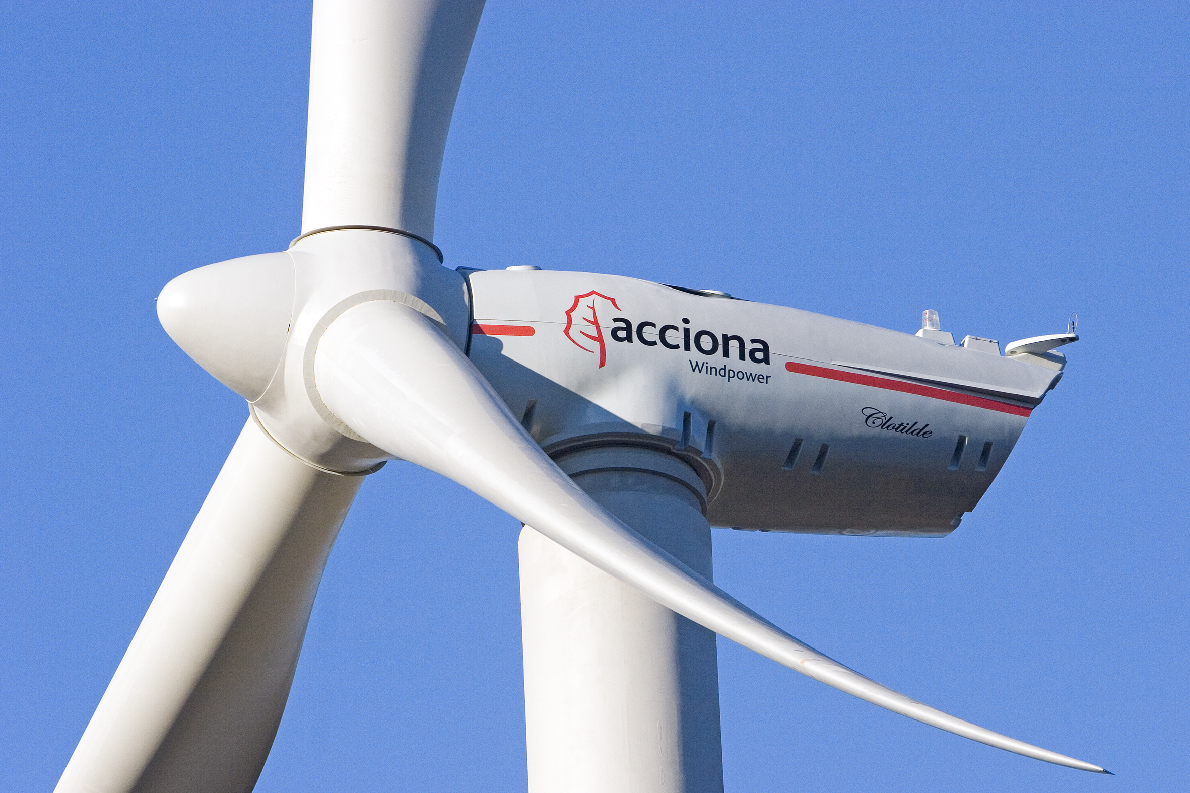 Acciona recorta el beneficio un 6,3%, hasta 189 millones