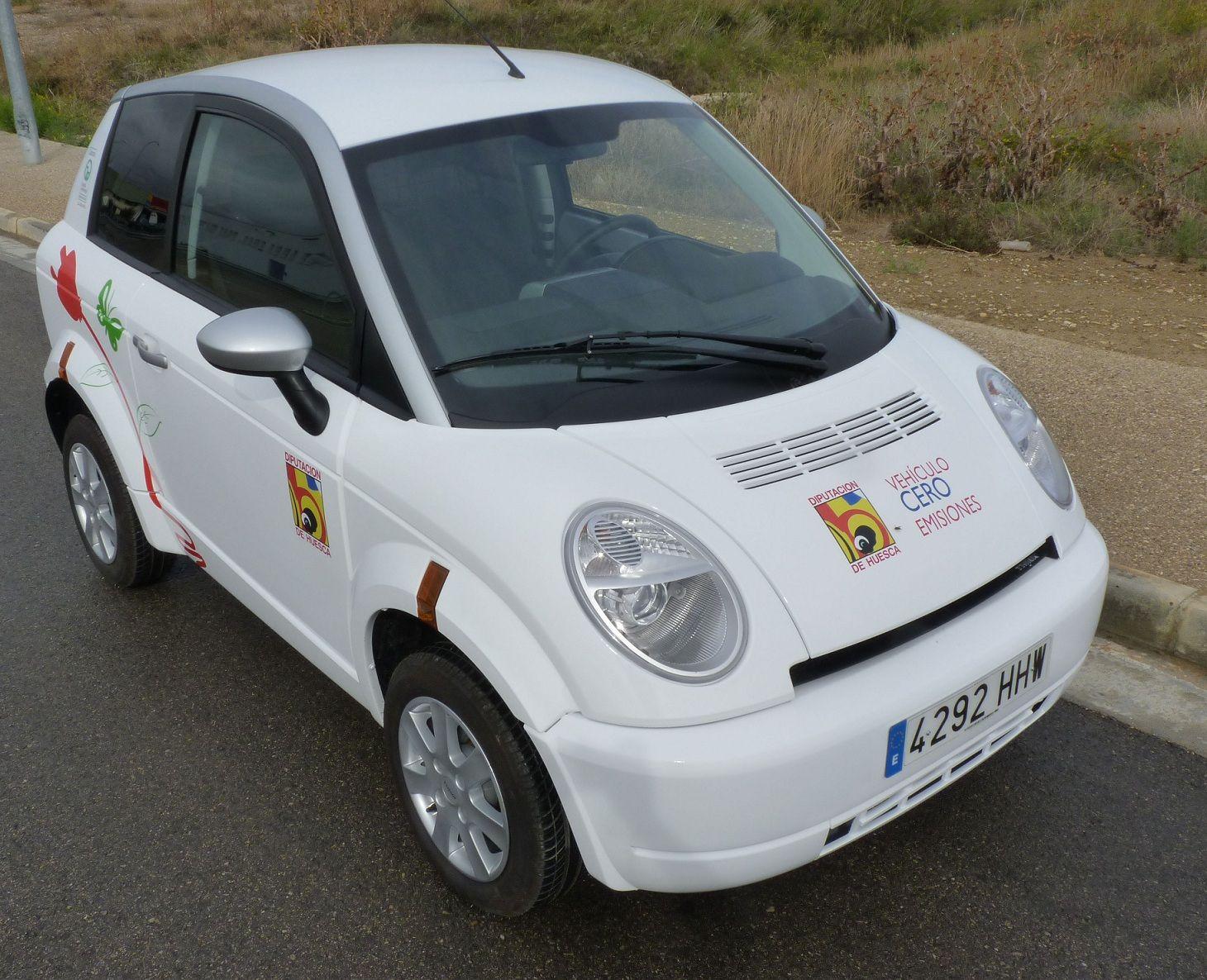 La Diputación Provincial de Huesca adquiere un coche eléctrico