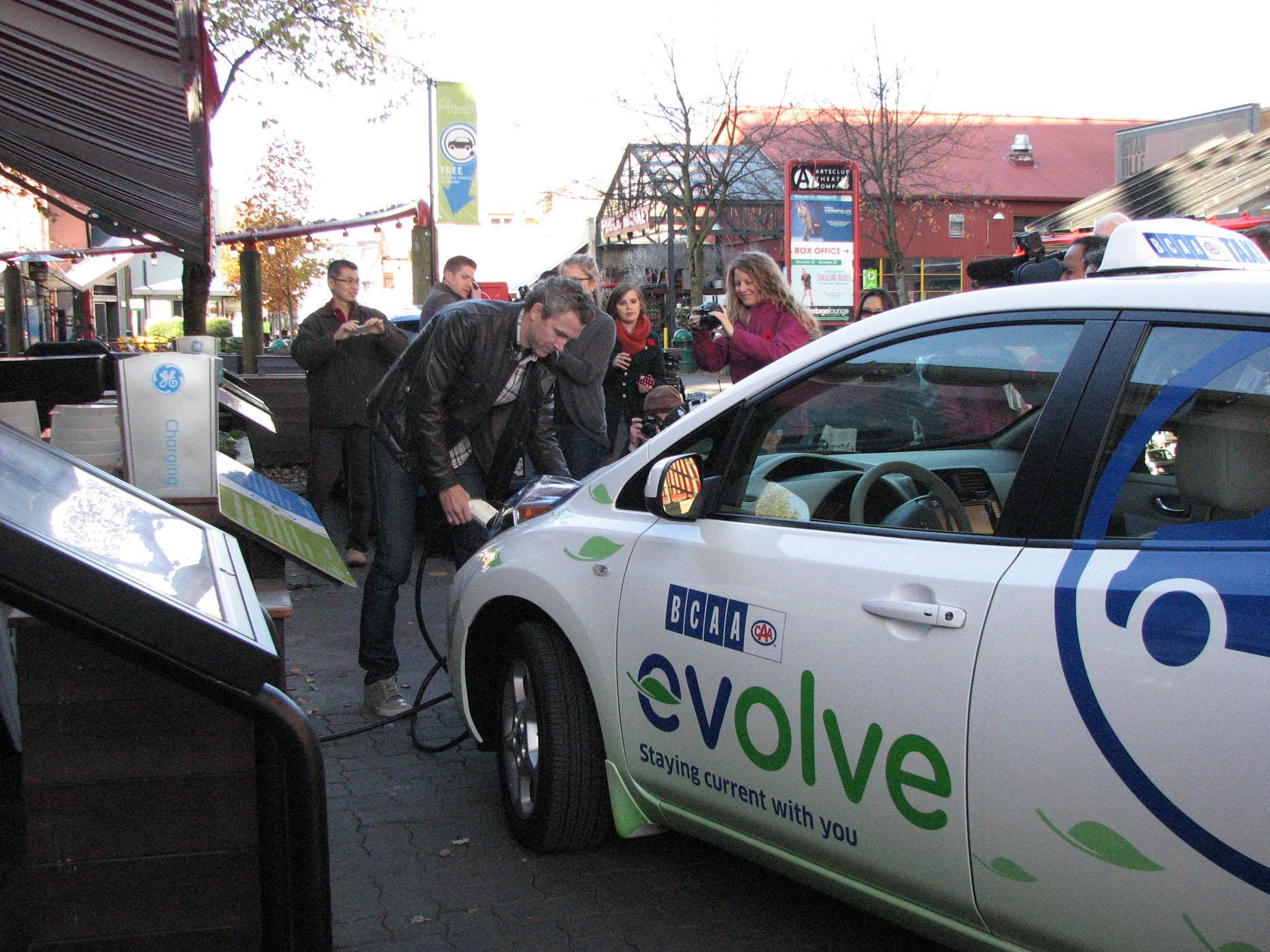 Por Málaga en vehículo eléctrico