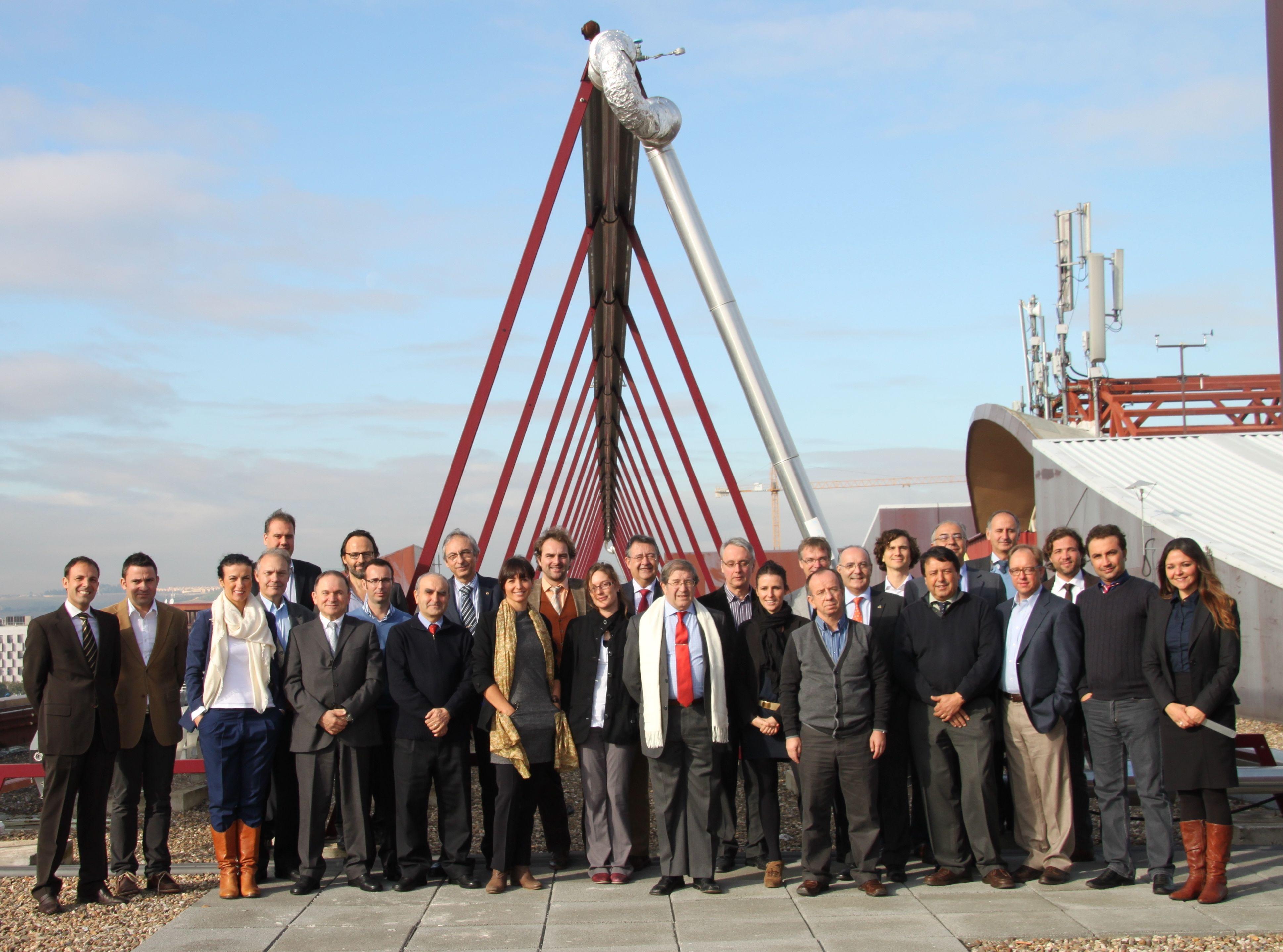 https://www.evwind.com/wp-content/uploads/2012/12/Miembros-de-EU-SOLARIS.jpg
