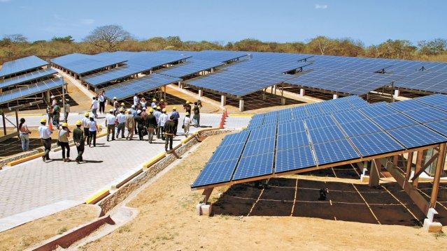 Nicaragua inaugura la primera central de energía solar fotovoltaica conectada a la red