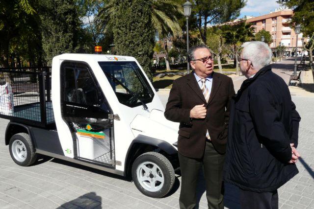Sercomosa presenta un nuevo vehículo eléctrico para trabajos en zonas verdes del centro urbano