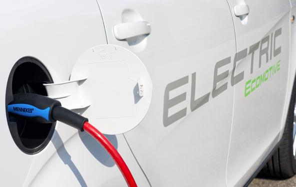 Endesa prueba un coche eléctrico Seat Altea