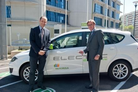 Colaboración para poner en marcha flota de coches eléctricos