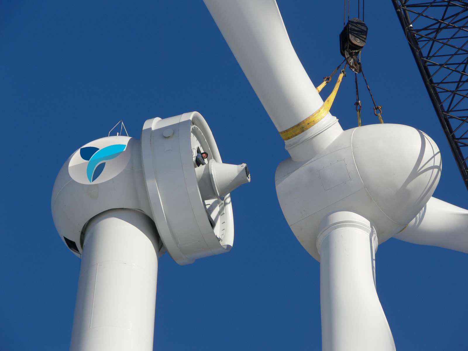 Eólica: Instalan los aerogeneradores de Eózen en el parque eólico experimental de Padul (Granada)
