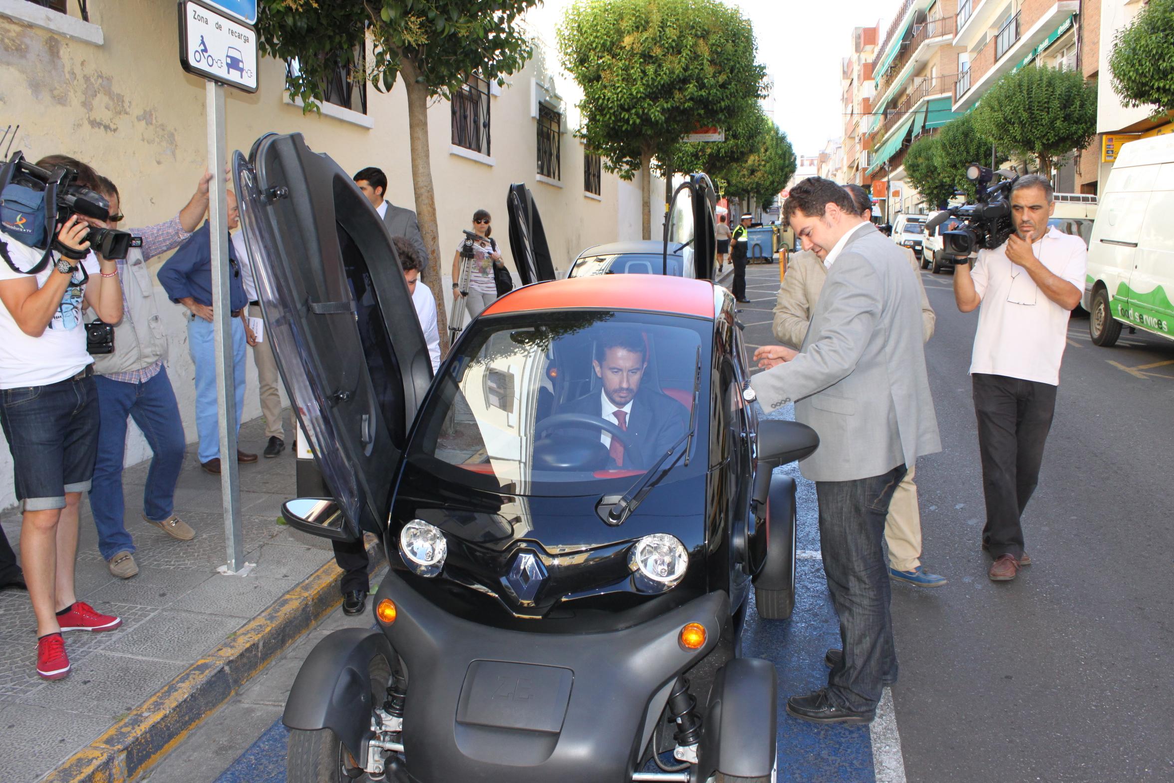 Mérida, primera ciudad extremeña con electrolineras de vehículos eléctricos
