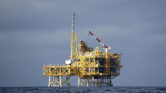 Castor muestra los peligros del fracking y el gas natural y la necesidad de apostar por las energías renovables (eólica, termosolar y energía solar fotovoltaica)