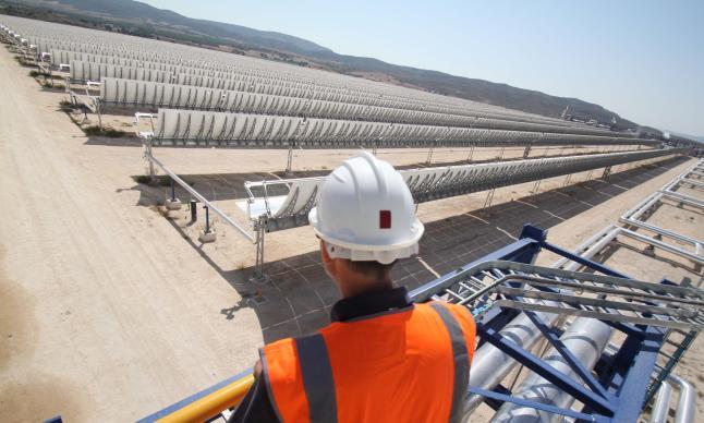 Energía solar y energías renovables: Alberto Fabra inaugura en Villena la central termosolar.