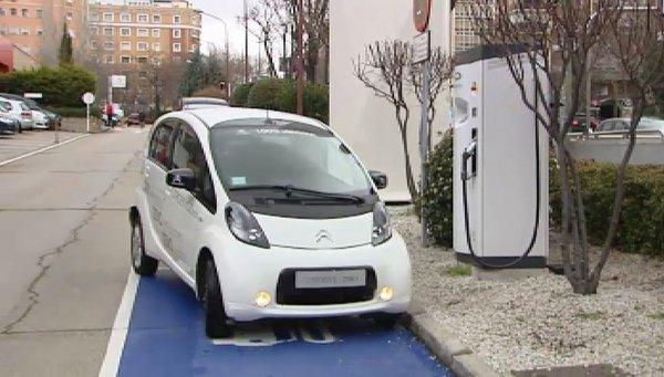 Coche eléctrico: Madrid instala una metrolinera para vehículos eléctricos
