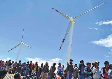 Bolivia desarrolla proyectos de energías renovables para afrontar cambio climático