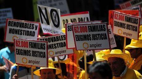 Energías renovables se manifestaron contra la reforma energética del PP