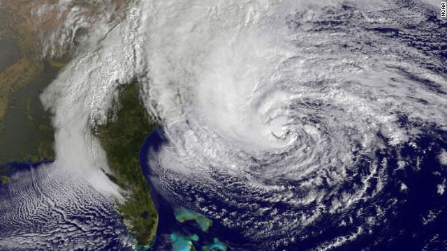 Eólica y energías renovables: Evitar tornados y huracanes con aerogeneradores que los frenan