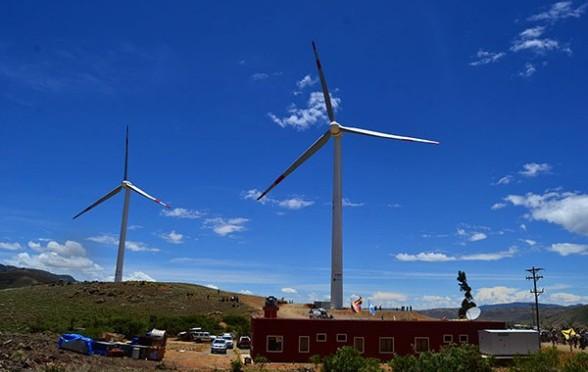 Conectan parque eólico en Cochabamba