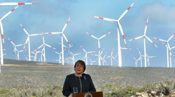 Eólica en Chile: Bachelet inaugura parque eólico El Arrayán con 50 aerogeneradores