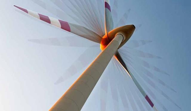 Energías renovables variables, eólica y fotovoltaica, ahorran dinero