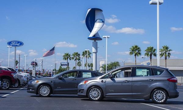 Energías renovables: Ford instala eólica y energía solar en concesionarios
