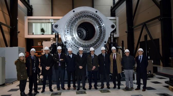 Asociación Empresarial Eólica visita Laboratorio de Ensayo de Aerogeneradores del CENER