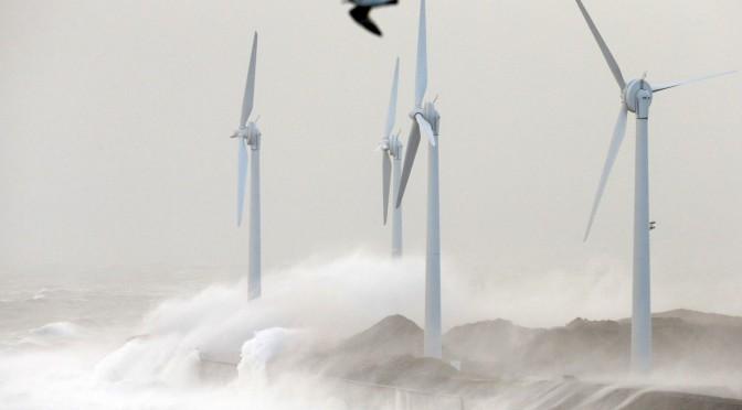 Energías renovables, eólica y energía solar, la nueva potencia de la Unión Europea, por Antonio Cerrillo.