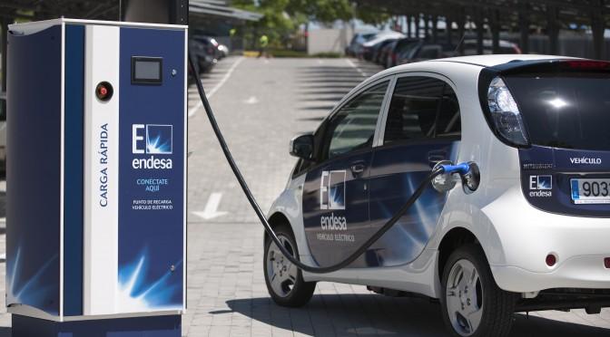 La Vuelta a España en vehículo eléctrico de Endesa llega a Zaragoza
