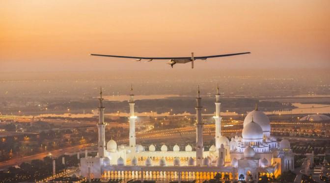 Avión impulsado por energía solar fotovoltaica reanudó su vuelo rumbo a Hawaii