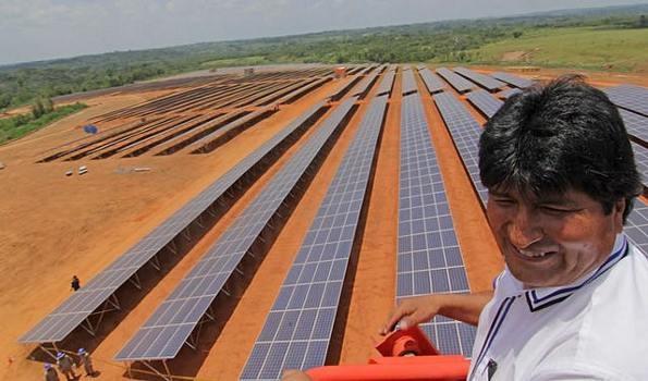 Morales inaugura primera planta de energía solar del país