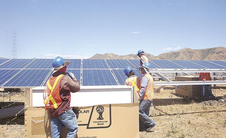 Honduras abre la mayor central de energía solar de Centroamérica